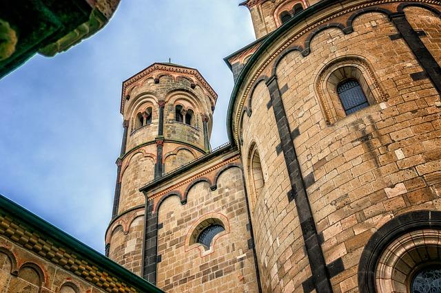monastery-3024769_640